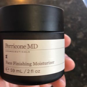 Perricone MD FACE FINISHING MOSTURIZER